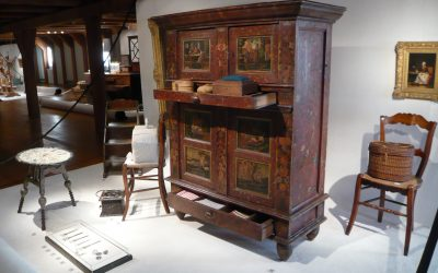 Advantages of Choosing Antique Furniture for Your Home